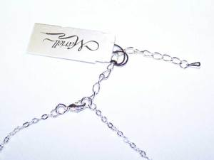 close up of necklace clasp S005