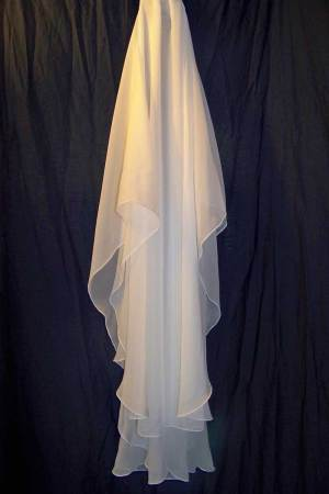 oval chiffon veil with pencil edge