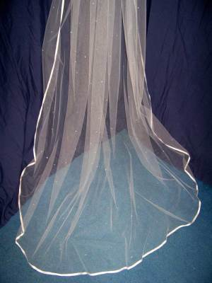 Long veil with 3/8 inch ribbon