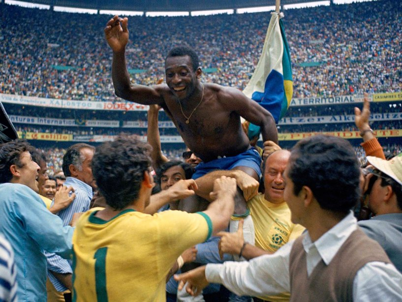 Vida longa ao Rei: os 79 anos de Pelé em imagens históricas | VEJA