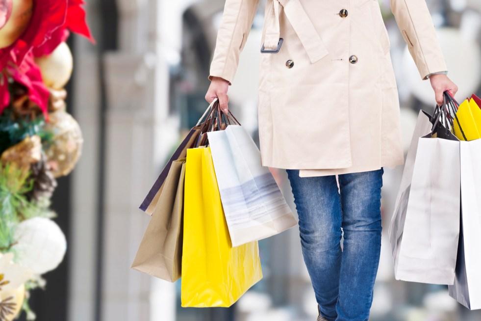 https://i2.wp.com/veja.abril.com.br/wp-content/uploads/2017/11/economia-compras-de-natal-20141209-002.jpg?resize=981%2C654&ssl=1