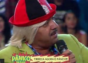 Tiririca-panico-na-band-aovivo-emilio-surita-palco
