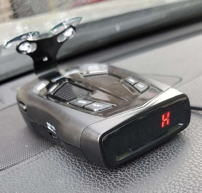 Whistler Z-15R Review, on the dash