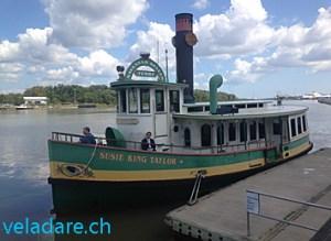 """Un des ferry de Savannah, aussi appelé """"Belles"""""""