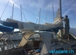 Préparation à une nouvelle traversée:Remettre la grande voile