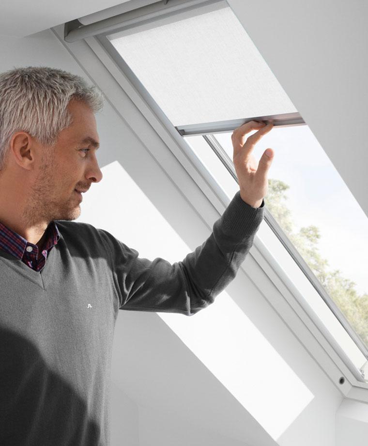 store rideau pour fenetre de toit velux
