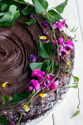 Wild mint and chocolate cake