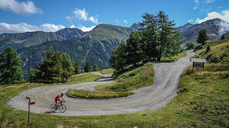 LE COL DE LA CROIX-DE-COEUR, FUTUR PASSAGE INCONTOURNABLE DES CYCLISTES DU MONDE ENTIER