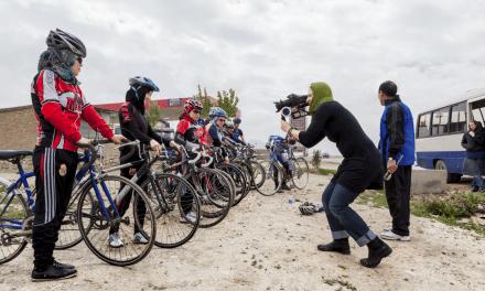 AFGHAN CYCLES de Sarah Menzies