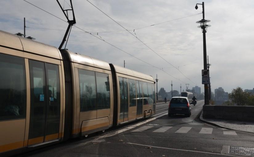 Pont George V: non à la voie unique du tram, oui au sens unique pour les voitures