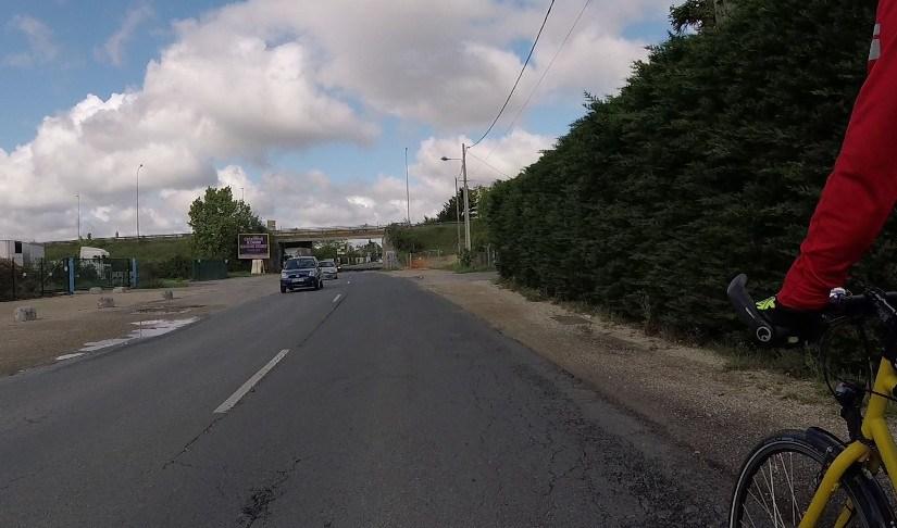 13ème vélorution orléanaise à la Chapelle-Saint-Mesmin: oui au vélo urbain, non au béton contraint!