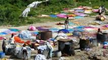 A l'heure de la lessive, Agra, Inde