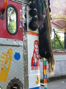 Les gros TATA plus decores les uns que les autres, Inde
