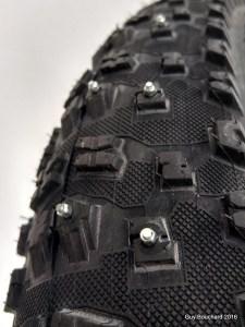 Fat bike pneu tire stud crampon gaspésie Matane Vélo Spécialité