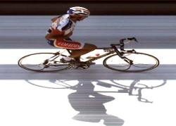 David Moncoutie wins stage at Tour de France 2005 (image courtesy of official race site)