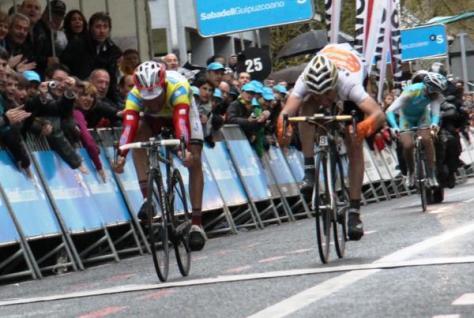 Stage 5 finish Rodriguez pips Sanchez to line (image courtesy of Susi Goertze)