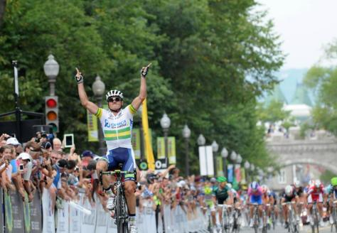 Gerrans takes the win in Québec (image courtesy of gpcqm.ca)