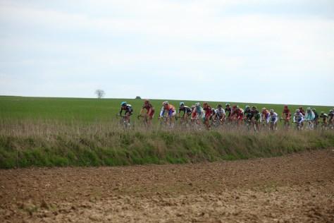 7-peloton-roubaix-2012