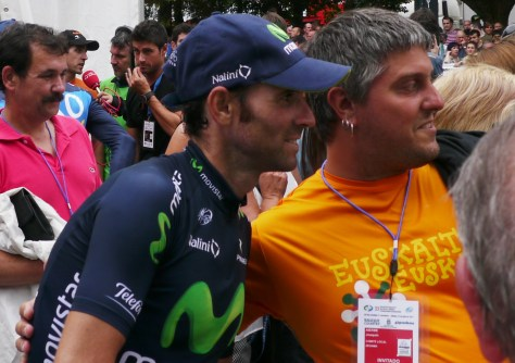 More photo opportunities with the locals for Alejandro Valverde (image: Sheree Whatley)