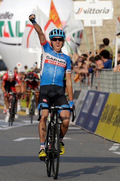 Dan Martin takes the win and ends his run of bad luck (image: Gian Mattia D'Alberto/La Presse)