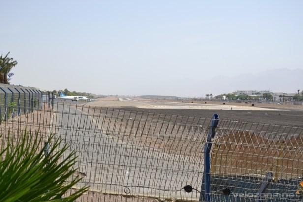 Lotnisko w Eilacie znajduje się w samym centrum miasta