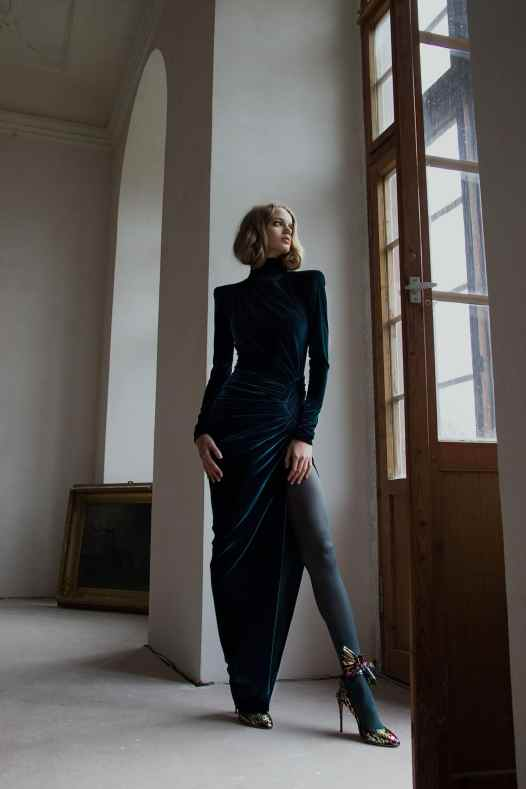 Dark green velvet dress, Alexandre Vauthier