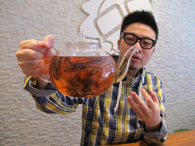 The food tour also included a fabulous tea-tasting at My Cup of Tea in Chinatown.