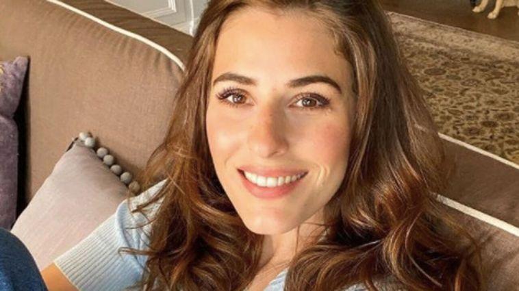 Diana Del Bufalo, vacanze d'amore in città: l'attrice ritrova finalmente il sorriso [FOTO]