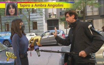 """Tapiro d'oro ad Ambra Angiolini: Francesca Barra e Laura Chiatti contro """"Striscia la notizia"""""""