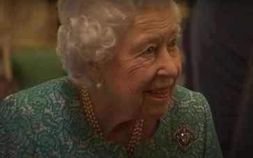 La regina Elisabetta riduce drasticamente l'agenda: prenderà parte solo agli eventi importanti