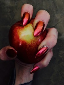 stw-beautifully-manicured-sexy-nails-red-apple-glitter-opalescent