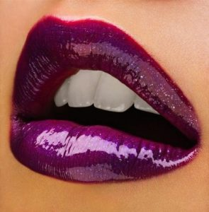 Dramatic-Sexy-Lip Colours-for-Fall-pulsating-purple