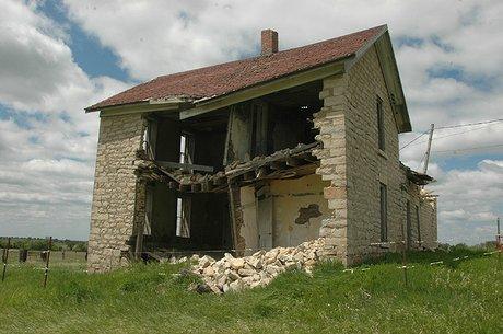 brokenbuilding.jpg