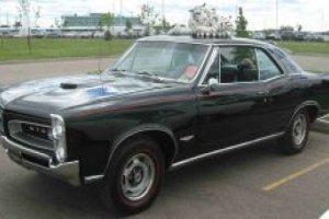 Na Década de 60 e 70 Haviam Carros Muito Possantes - 1972 Chevy Chevelle SS - 1965 Pontiac GTO