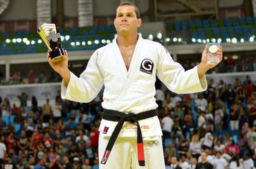 Roger Gracie se aposenta das competições de jiu-jitsu de maneira apoteótica (Carlos Arthur Jr)