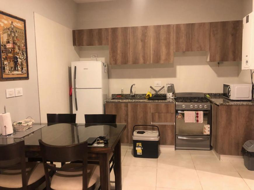 cozinha do apartamento que alugamos no Airbnb