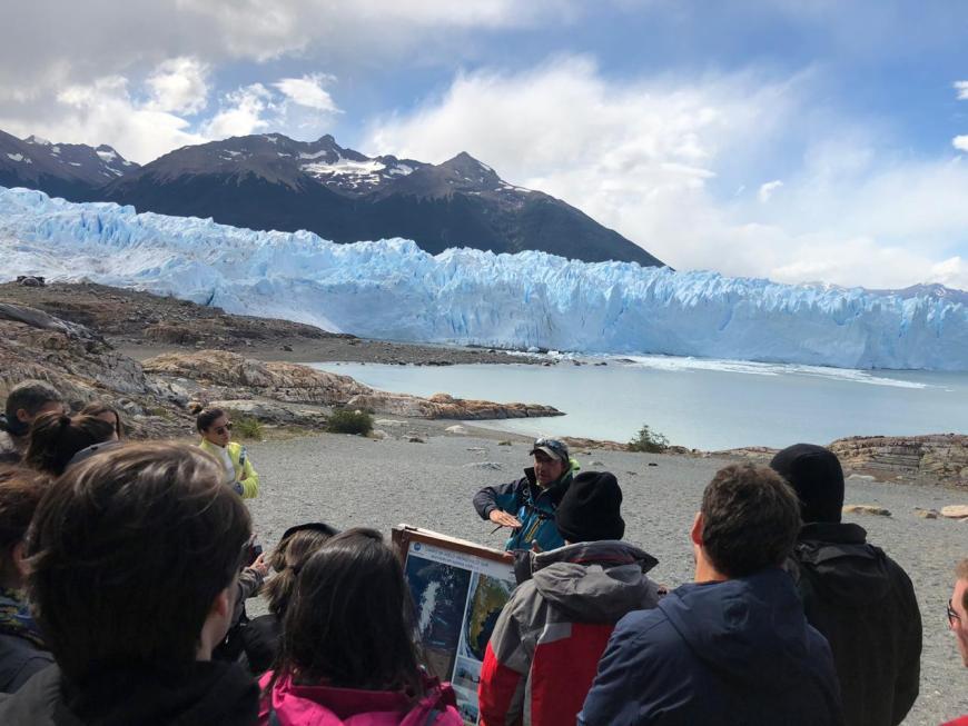 Guias na geleira em Perito Moreno