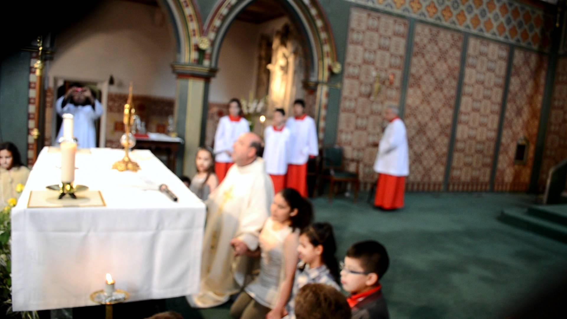 Niño de ocho años obtiene conversión de su familia ante el Santísimo Sacramento en México