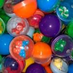 Bolsa de 500 juguetes sorpresa para máquinas expendedoras