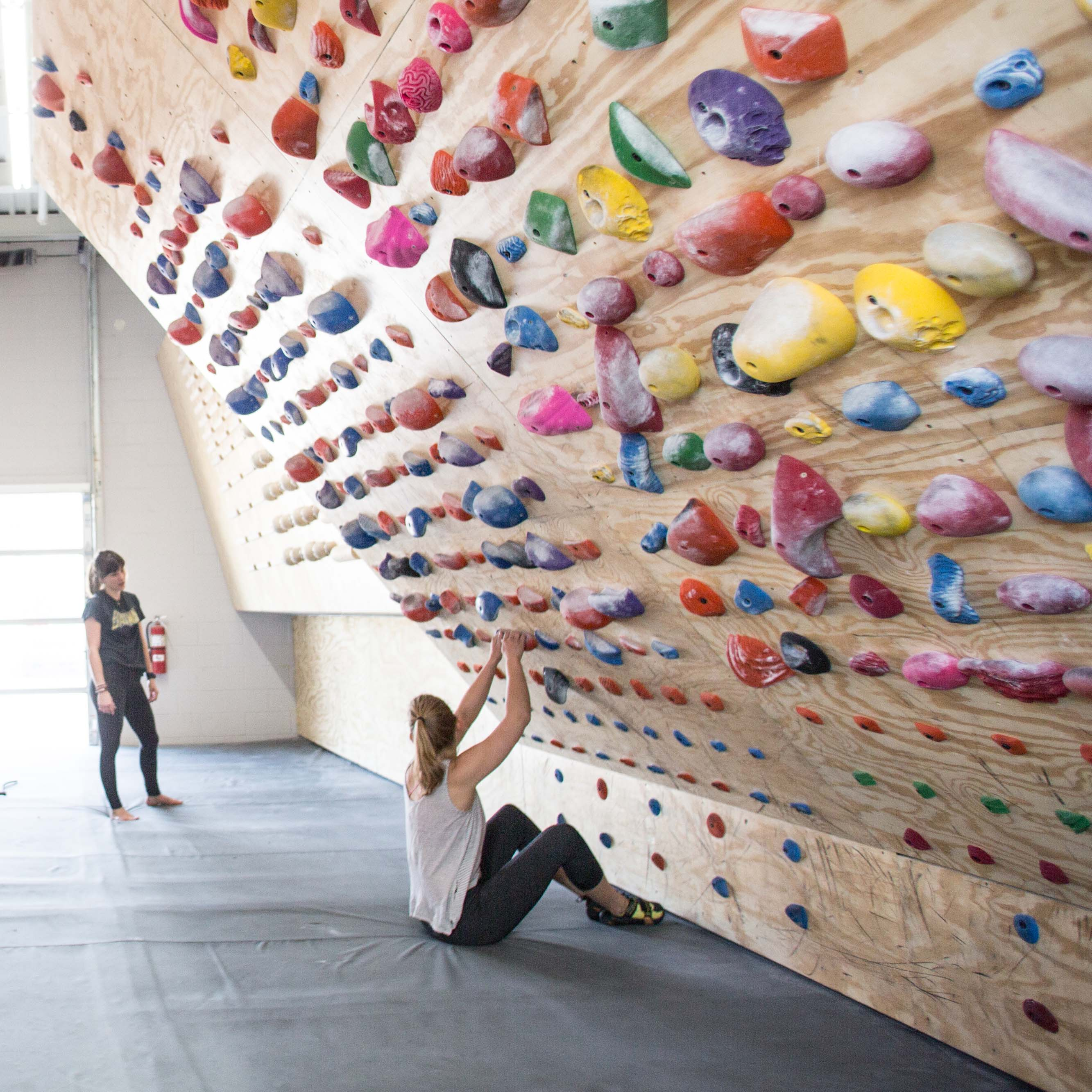 N_Lifestyle_Walls_Climbers_Holds_Bloomington_17