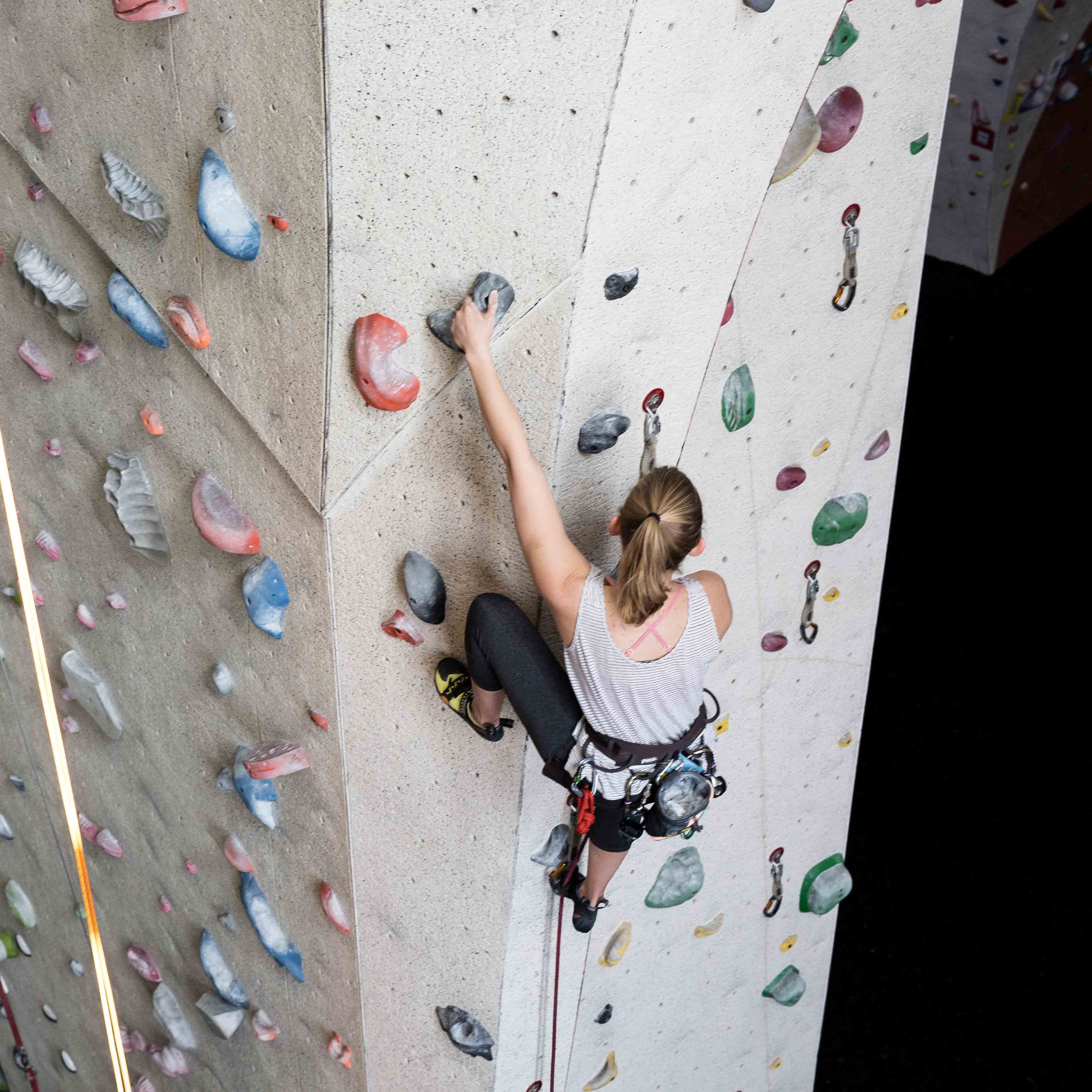 N_Lifestyle_Walls_Climbers_Holds_Bloomington_4