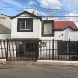 Casa en Col. Arquitectos Muy Equipada y Centrica