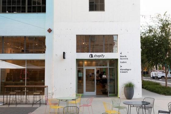 Shopify abre su primer espacio de ladrillo y mortero en Los Ángeles