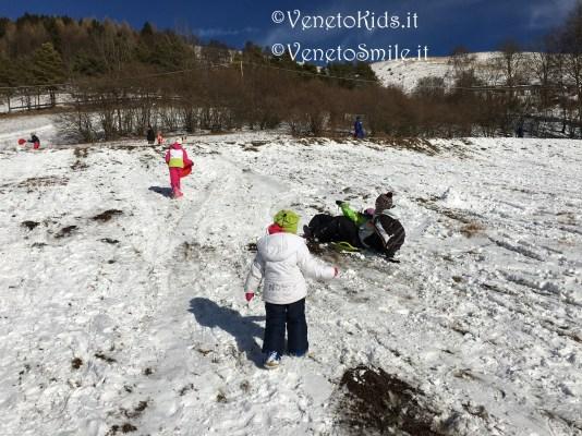 veneto-kids-venetokids-neve-montagna-discesa-neve