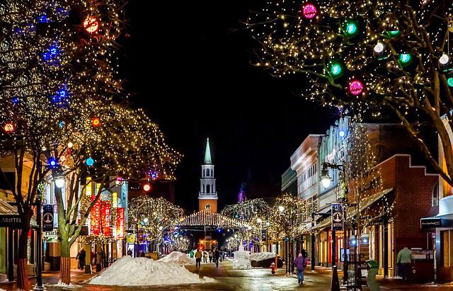 海外の教会とクリスマスイルミネーション