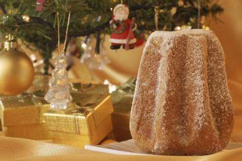 christmas-tree-and-pandoro