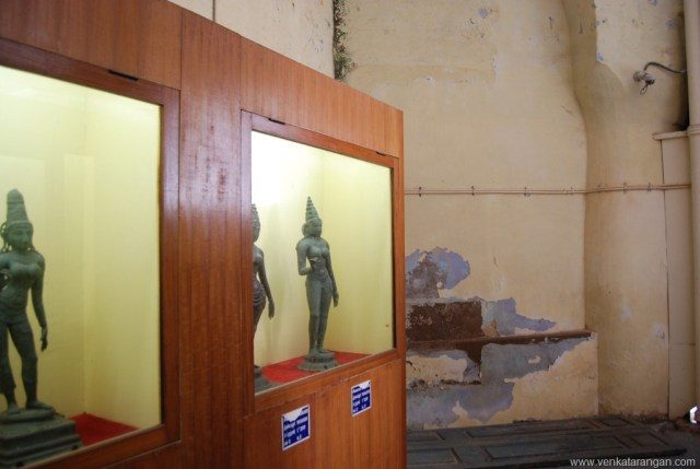 Sorry state of maintenance of the walls and structures in Thanjavur Palace