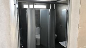 mamparas para baño de aluminio y melaminico