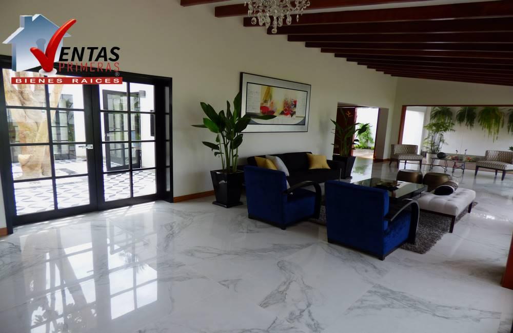 !Hermosa Casa – La Encantada, Precio Ocasión!