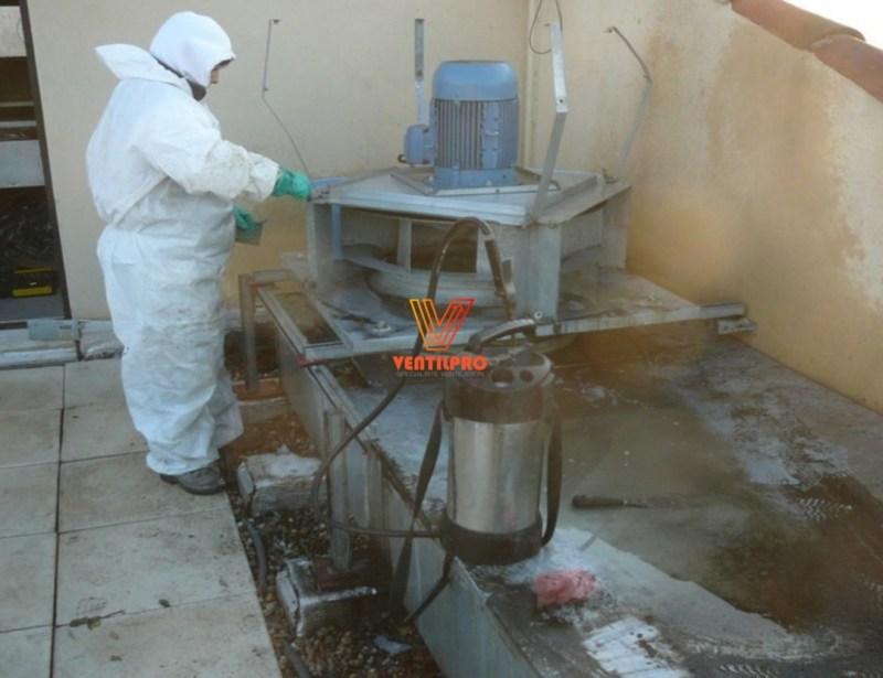 Installation de moteur de hotte professionnelle ventilpro for Tourelle extraction cuisine